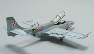 TS-11 Iskra Bis DF 1/72 Arma Hobby