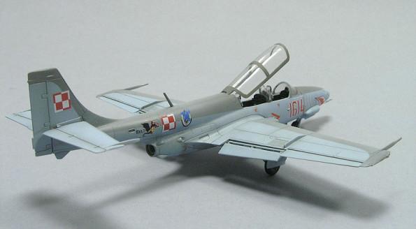 TS-11 Iskra Bis DF 1/72 Arma Hobby